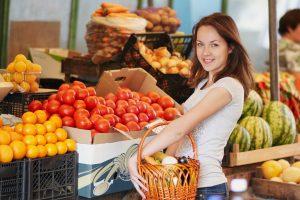 Vasarai artėjant reikia ne badauti, bet keisti mitybos taisykles