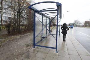 Klaipėdos autobusų stotelėje apiplėšta mergina