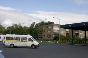 Palangiškiams įkyrėjo autobusų kaimynystė