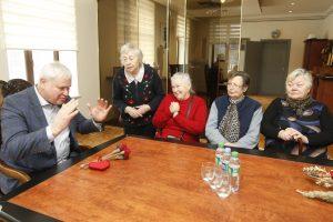 Papildomų tarybų senjorai nenori