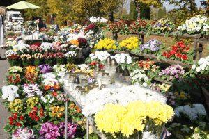 Žvakėms ir gėlėms – šimtai eurų