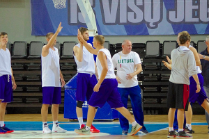 Prienų krepšininkai pergale pradėjo krepšinio turnyrą