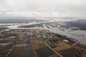 Į potvynio užlietas teritorijas atvyko kariai su gelbėjimo technika (papildyta)