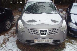 """Baltarusį įklampino vogtas """"Nissan"""""""