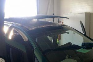 Cigarečių kontrabanda buvo paslėpta automobilio stoge