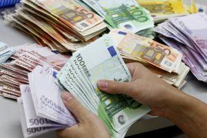 Ką Vyriausybė nuspręs dėl 2015 metų draudžiamųjų pajamų?