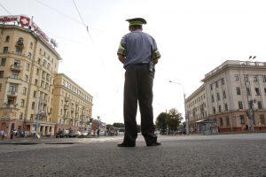 Minsko prekybos centre vyras su kirviu ir pjūklu užpuolė pirkėjus, žuvo vaikas
