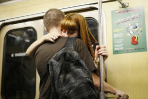 Maskvos metro porelė pasimylėjo ant bėgių