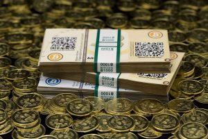 Kaune pagrobtam bitkoinų prekeiviui grasinta išdurti akis