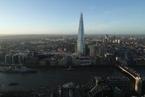 Ieškomas parašiutininkas, nušokęs nuo aukščiausio ES dangoraižio