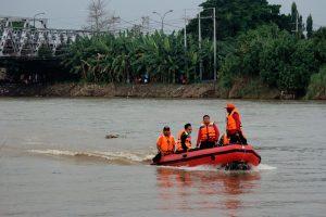 Indonezijoje apvirtus laivui dingo septyni moksleiviai
