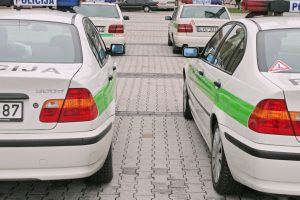 Ministras: policija supaprastins sąlygas automobilių pirkimui