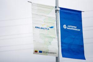 """Latvijos ministras: Lietuva kelia grėsmę """"Rail Balticos"""" projektui"""