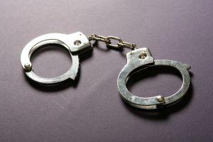 Vilniuje sulaikytas plėšimu įtariamas 17-metis