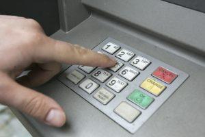 Bankų pelnas šiemet sumažėjo iki 109,2 mln. eurų