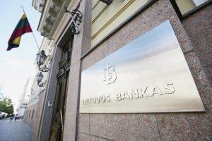 """Lietuvos bankas nubaudė """"Taupkasę"""": klientams pasakė ne viską"""