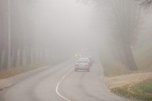 Klaipėdos apskrityje eismo sąlygas sunkina rūkas