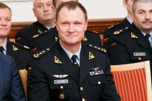 Buvęs Karinių oro pajėgų vadas – atleistas iš tarnybos