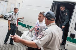 Anglija grąžino ilgai ieškotą sukčių