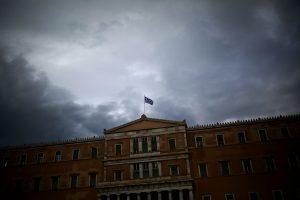 Virš Graikijos – vėl juodi debesys