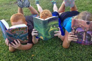 Nors vaikai skaito daugiau nei anksčiau, ilgesnio teksto įveikti nepajėgia