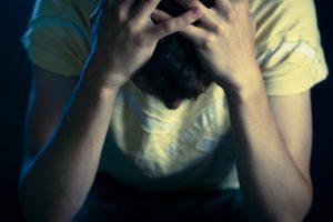"""Psichologas: noras būti """"kietam"""" tampa ne vienos savižudybės priežastimi"""
