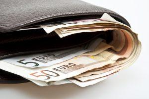 Iš klaipėdietės pavogta 6 tūkst. eurų