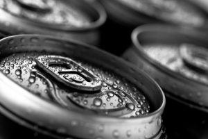 Vyrui nerūpėjo net akyla pardavėja – stvėrė ir pavogė alų