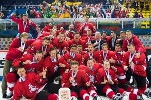 Fantastiškas pasiekimas: Lietuvos ledo ritulininkai iškovojo bronzą