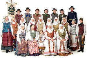 """Neveronių """"Viešios"""" tautiniai kostiumai – gražiausi Lietuvoje"""