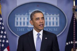 JAV prezidentas įves griežtesnę šaunamųjų ginklų kontrolę