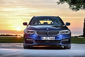 """BMW pristato naują penktos serijos universalą """"Touring"""""""