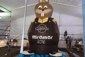 Argentinoje pagamintas didžiausias pasaulyje šokoladinis zuikis