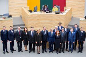 Pareigų netekę S. Skvernelio Vyriausybės ministrai (apžvalga)
