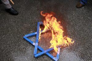 Tyrimas: Lenkijoje padaugėjo antisemitizmo apraiškų
