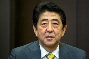 Japonijos premjeras paragino Britaniją ir ES išsiskirti sklandžiai ir skaidriai