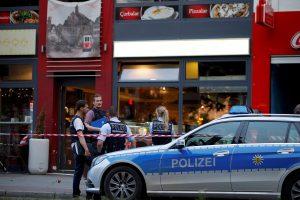 Vokietijoje migrantas moterį užkapojo iš aistros?