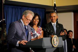 B. Obama pasiūlė pirmąjį per penkis dešimtmečius ambasadorių Kuboje