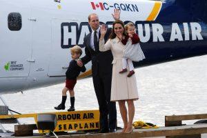 Britų karališkieji asmenys po vizito Kanadoje vyksta namo