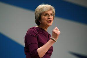 Britanijos parlamentas leido saugumo tarnyboms vykdyti sekimą dideliu mastu