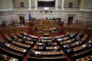 Nepaisydama kreditorių įspėjimų, Graikija patvirtino išmoką pensininkams