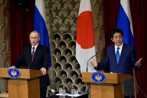 Japonijos premjeras atvyks į Rusiją susitikti su V. Putinu
