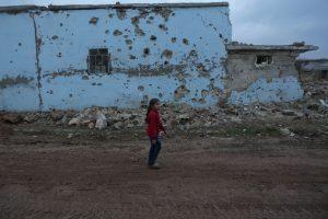 Sirijos kaime per aviacijos smūgius žuvo 22 civiliai