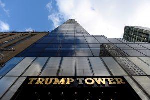 Niujorke šalia D. Trumpo dangoraižio palikta kuprinė sukėlė paniką