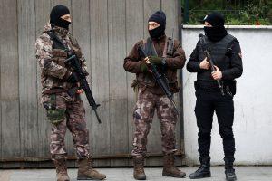 """Turkijoje sulaikyti 35 žmonės, siejami su """"Islamo valstybe"""""""