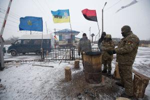 Ukraina pradėjo blokuoti susisiekimą su separatistinėmis teritorijomis