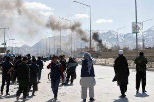 Afganistano sostinę sudrebino du mirtininkų išpuoliai