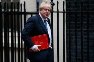 Britanijos užsienio reikalų sekretorius vyks į Rusiją derybų