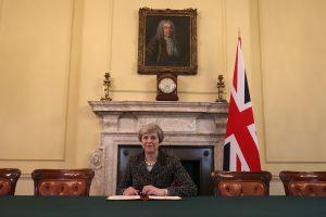 """Istorinis žingsnis: Britanija pradėjo """"Brexit"""" procesą"""