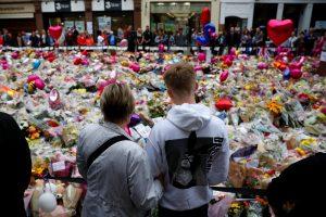 Sulaikytas jau 14-tas įtariamasis dėl išpuolio Mančesteryje